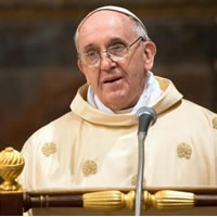 In morning homily, Pope praises courageous women of the Church.