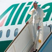 El Santo Padre llega al aeropuerto de El Cairo