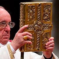 El Papa en Sta. Marta: Nunca ser cristianos de doble vida