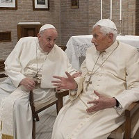 El Papa Francisco y los nuevos cardenales visitan a Benedicto XVI