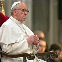 Papa Francisco regala 6 mil Rosarios a estos jóvenes