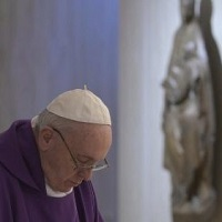 El Papa reza por los sin casa: que sean ayudados por la sociedad y la Iglesia