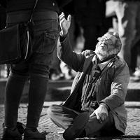 Un corazón que vea las heridas de la sociedad y manos creativas para curarlas